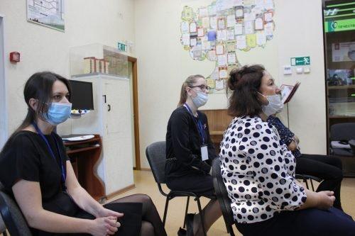На фотографии: слушатели семинара в защитной экипировке